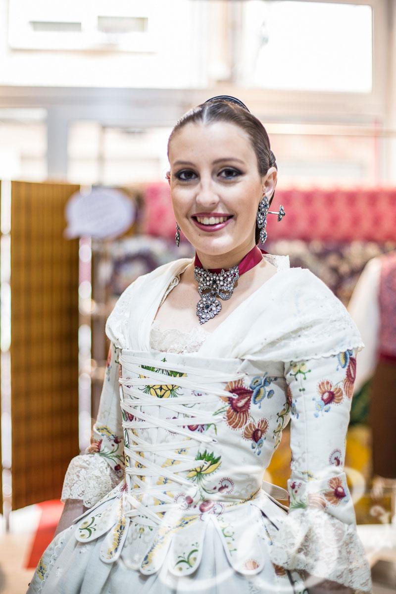 Entrega de traje a Raquel López Ros