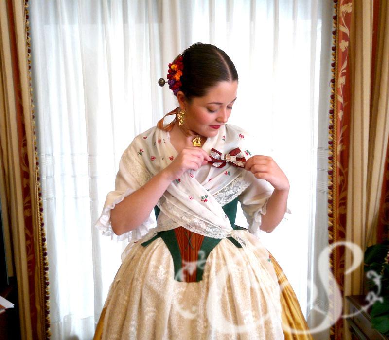 Entrega de traje a Cristina Pesudo Marzá. Reina de las Fiestas de Vila-real 2018